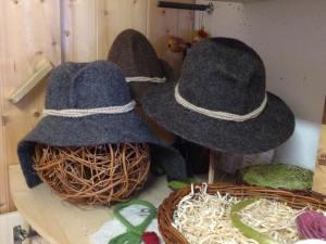 Le mani nella lana (4)