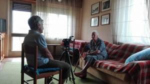 anna Kauber intervista una pastora di 97 anni foto di Adolfo Malacarne